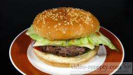 Šťavnatý domácí hamburger