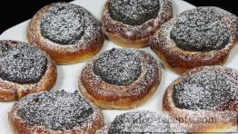 Kynuté makové koláčky