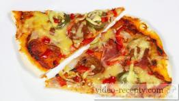 Salámová pikantní pizza