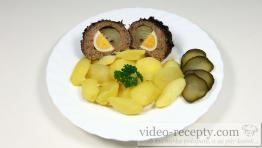 Sojové koule plněné cibulí s vejcem a uzeninou