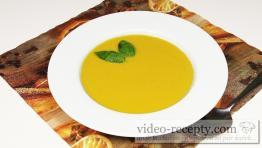 Dýňová polévka s bazalkou