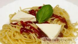Rychlé špagety se sýrem