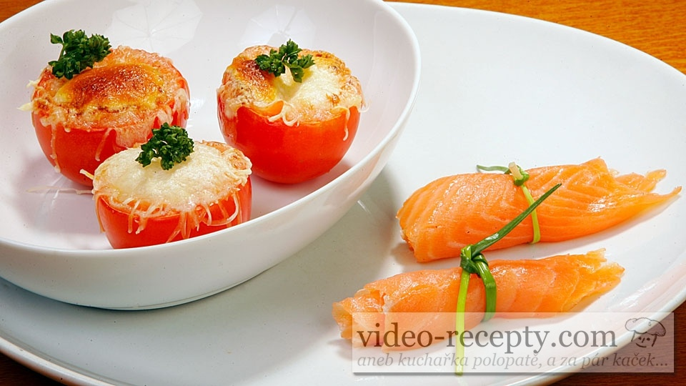 Plněná rajčata s lososem a mozzarellou